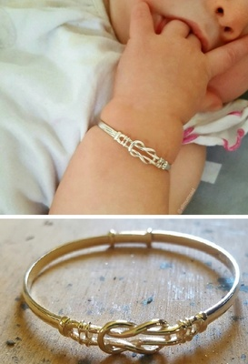 Bangle Expanding - EVERLASTING LOVE KNOT - Baby - Sterling Silver or 9ct Gold