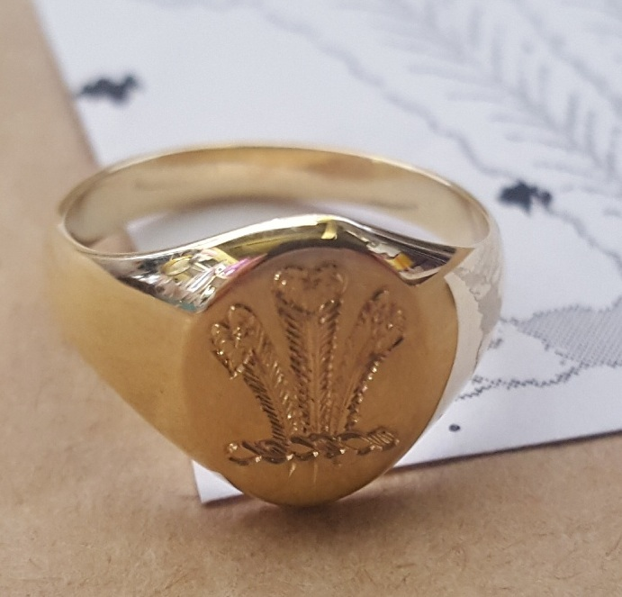 crest engraved signet ring