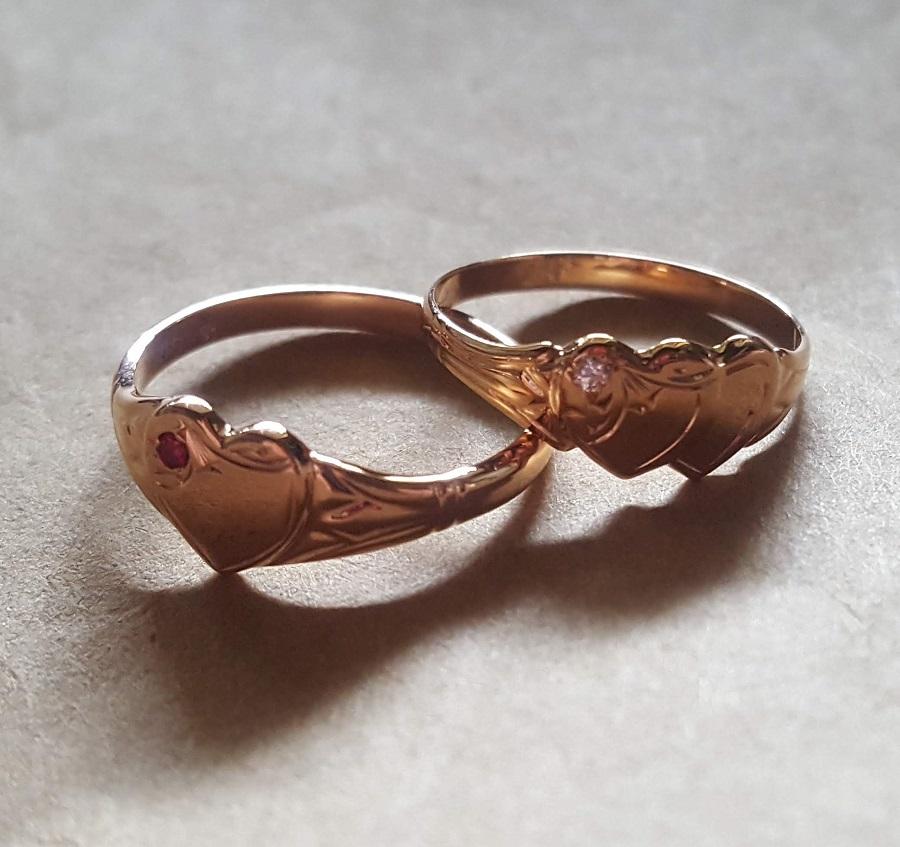 custom made heart signet rings gold