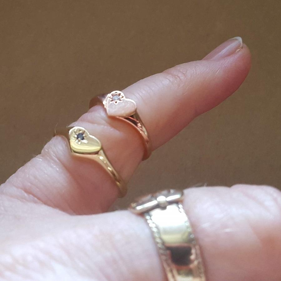 plain heart signet rings gold