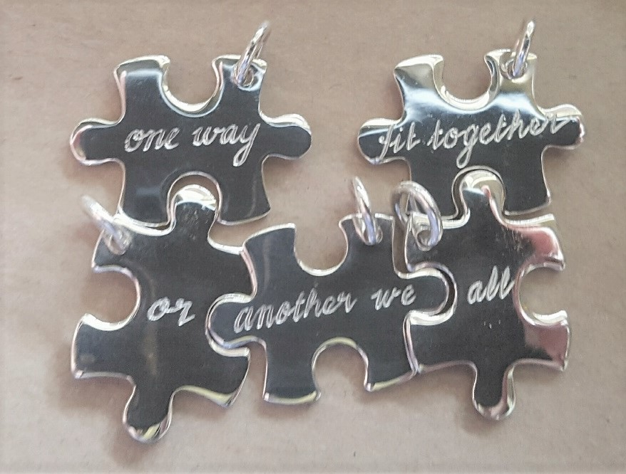jigsaw puzzle link pendant silver engraved