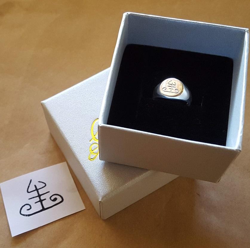 engraved signet rings australia