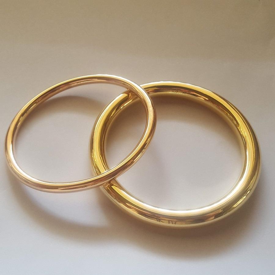 tubular and solid gold bangles